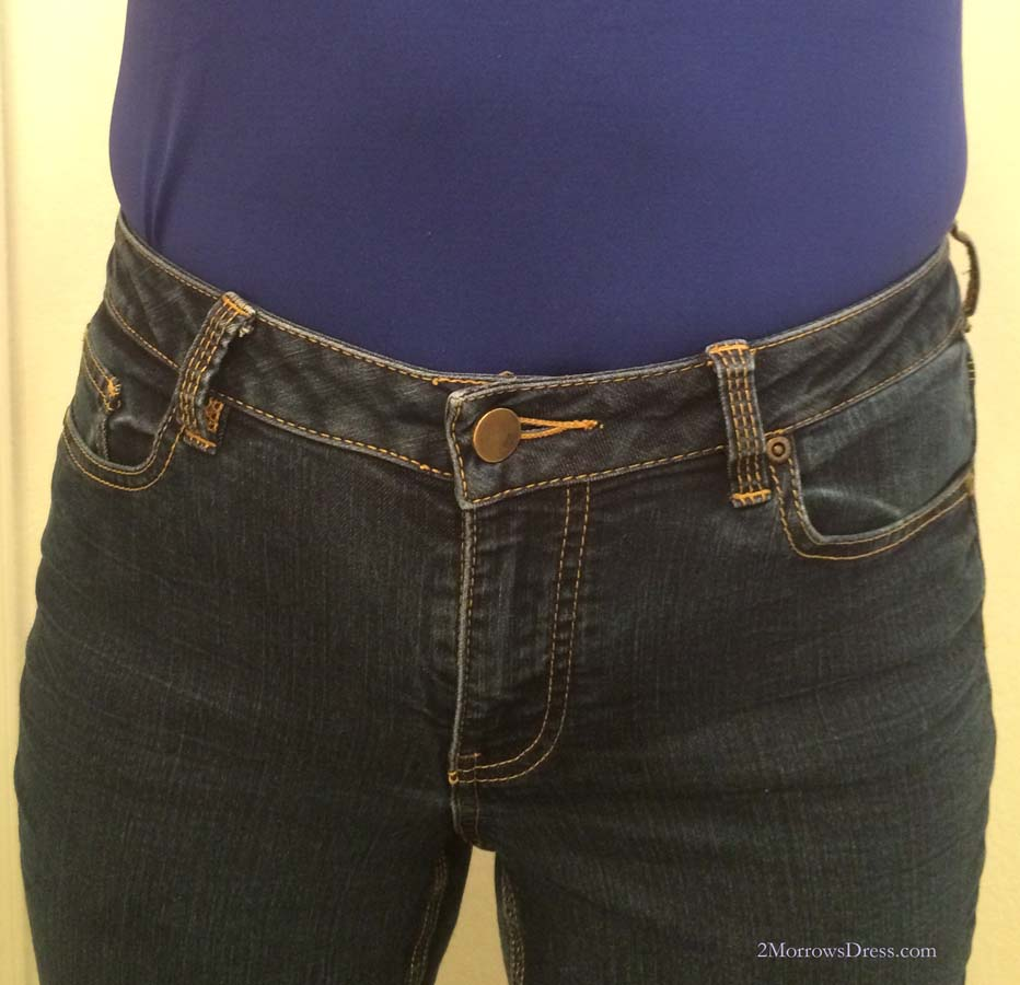 Midrise jeans, the right size, sitting close to the natural waist